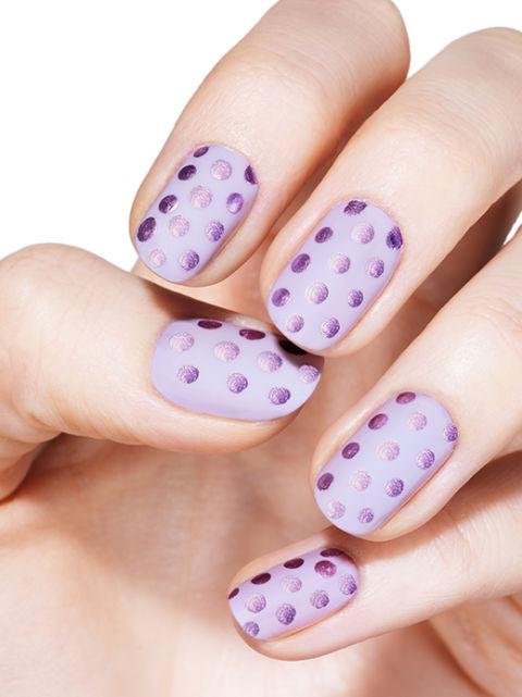 紫色波点美甲图片
